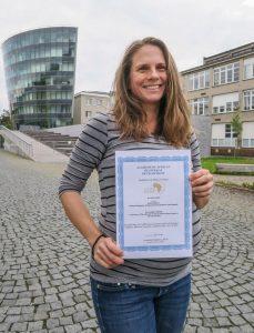 Denisa Skrbková s oceněním Best Paper Award